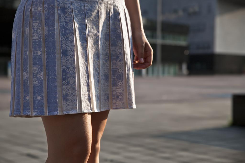 dress light